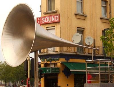 5m long hearing horn